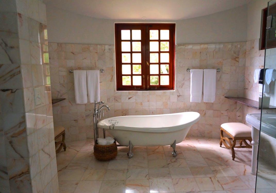 Consejos para elegir los azulejos del baño