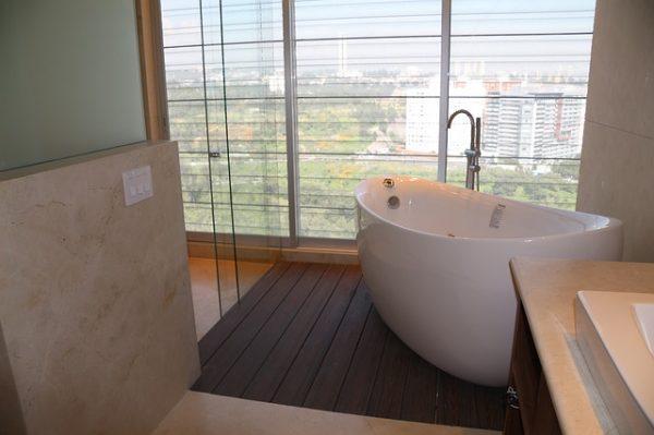 Cómo elegir las ventanas para el cuarto de baño